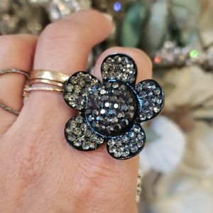 Crystal flower ring expandable